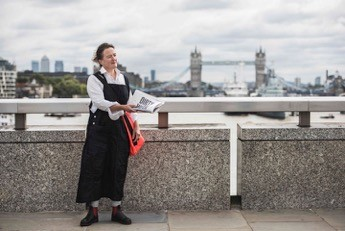 Image: Tania Kovats with Dirty Water, London's Low Tide. Credit: Thierry Bal, 2017.