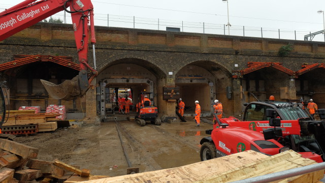 Construction of the arches in full swing
